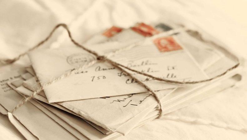 Îmbrățișări în tăcere și scrisori niciodată trimise